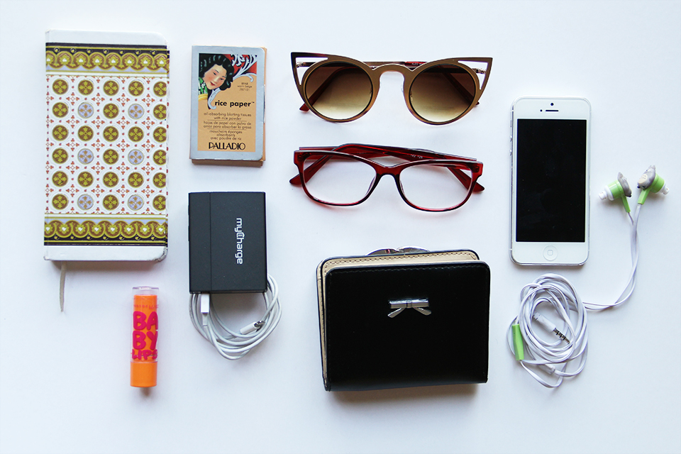 prune-bag-handbag-whats-on-my-bag-sunnies-rice-paper-iphone-babylips-totoro