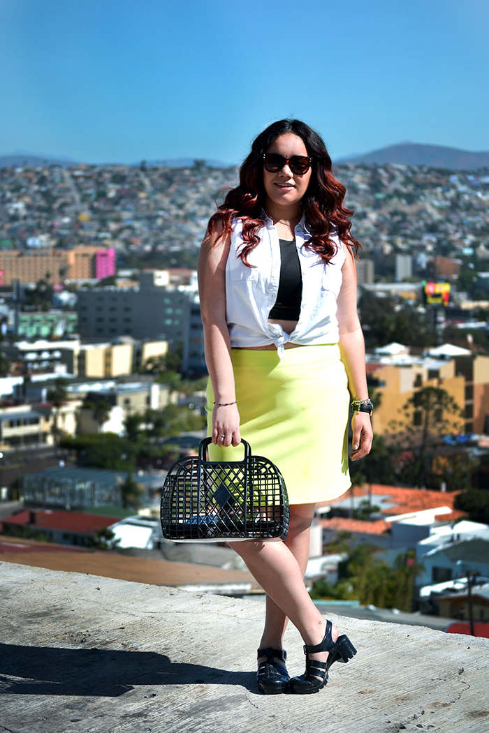 look-style-neon-skirt-denim-top-golden-strokes