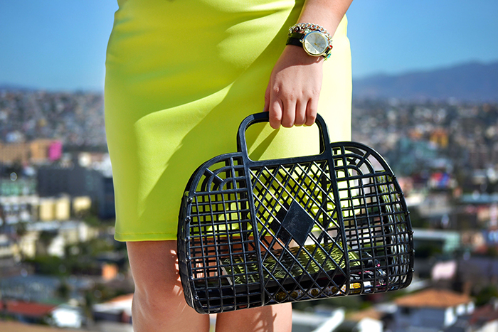 h&m-bag-neon-skirt-golden-strokes-style