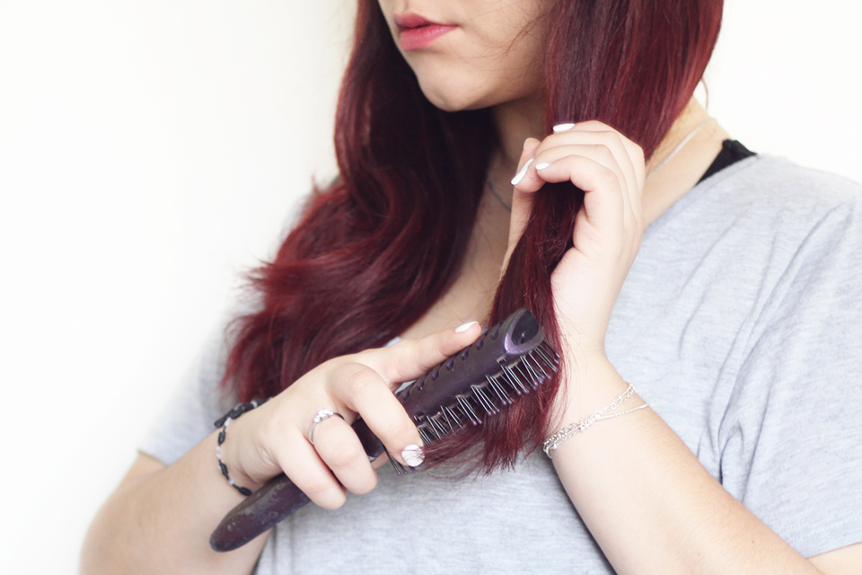 hair-routine-brush-red-nume-curl-jam-set-curling-wand