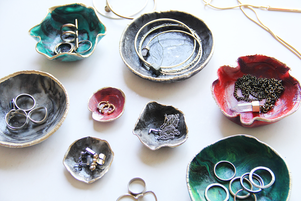 marble-ring-dish-DIY-marbled-clay-decor-ringdish-accessories-holder-color