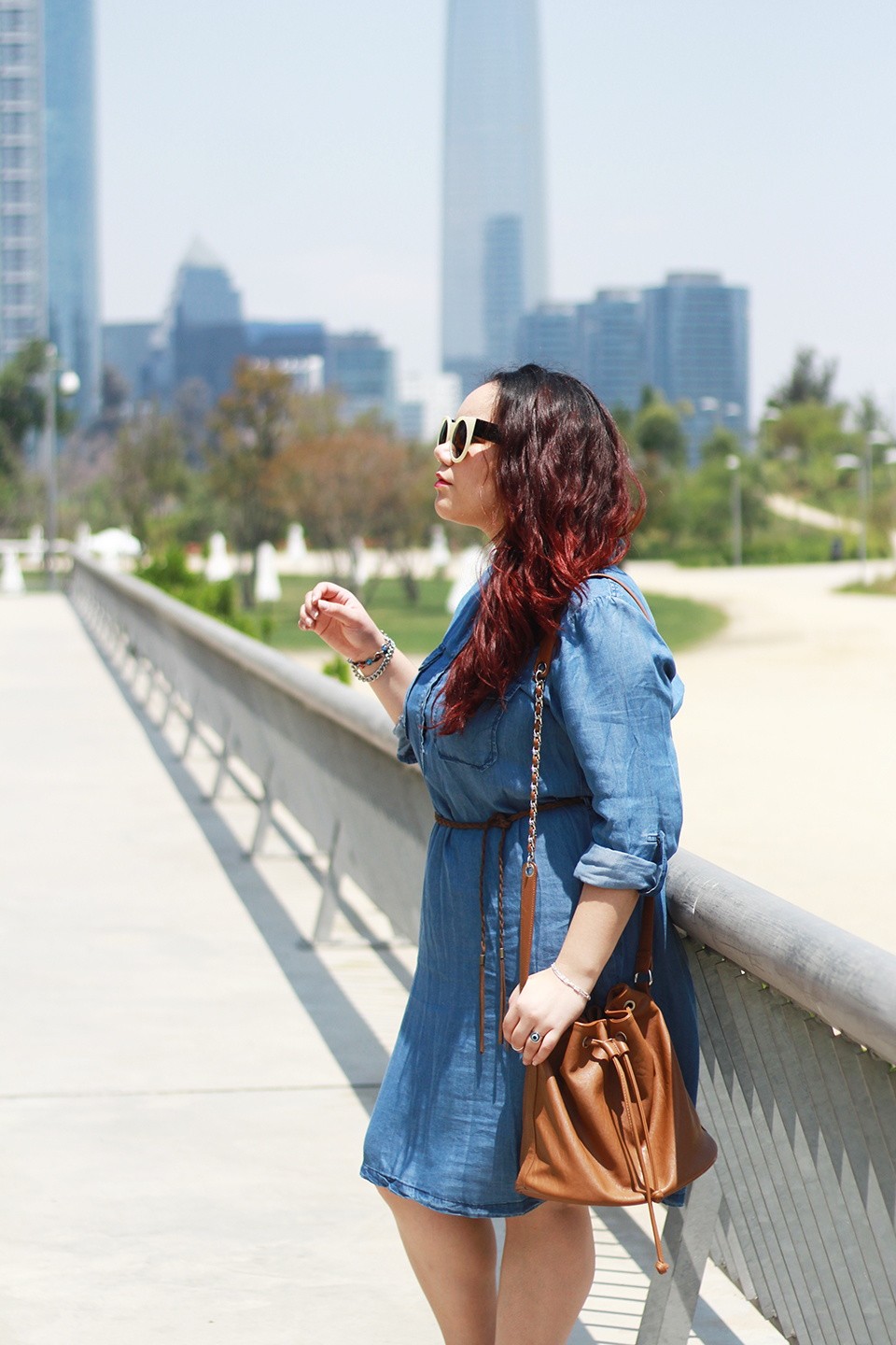 denim-dress-plus-size-bucket-bag-cut-out-boots-cyan-paris-santiago-vitacura-blogger-mexicana