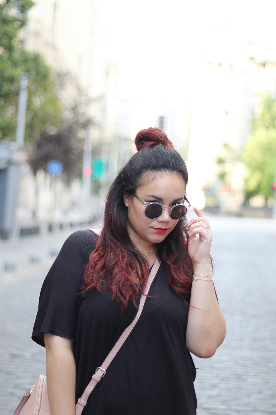 comfy-look-oversized-dress-dafiti-chile-forever-21-mexican-blogger-hm-half-bun-street-style-easy-going-outfif-quay-sunnies