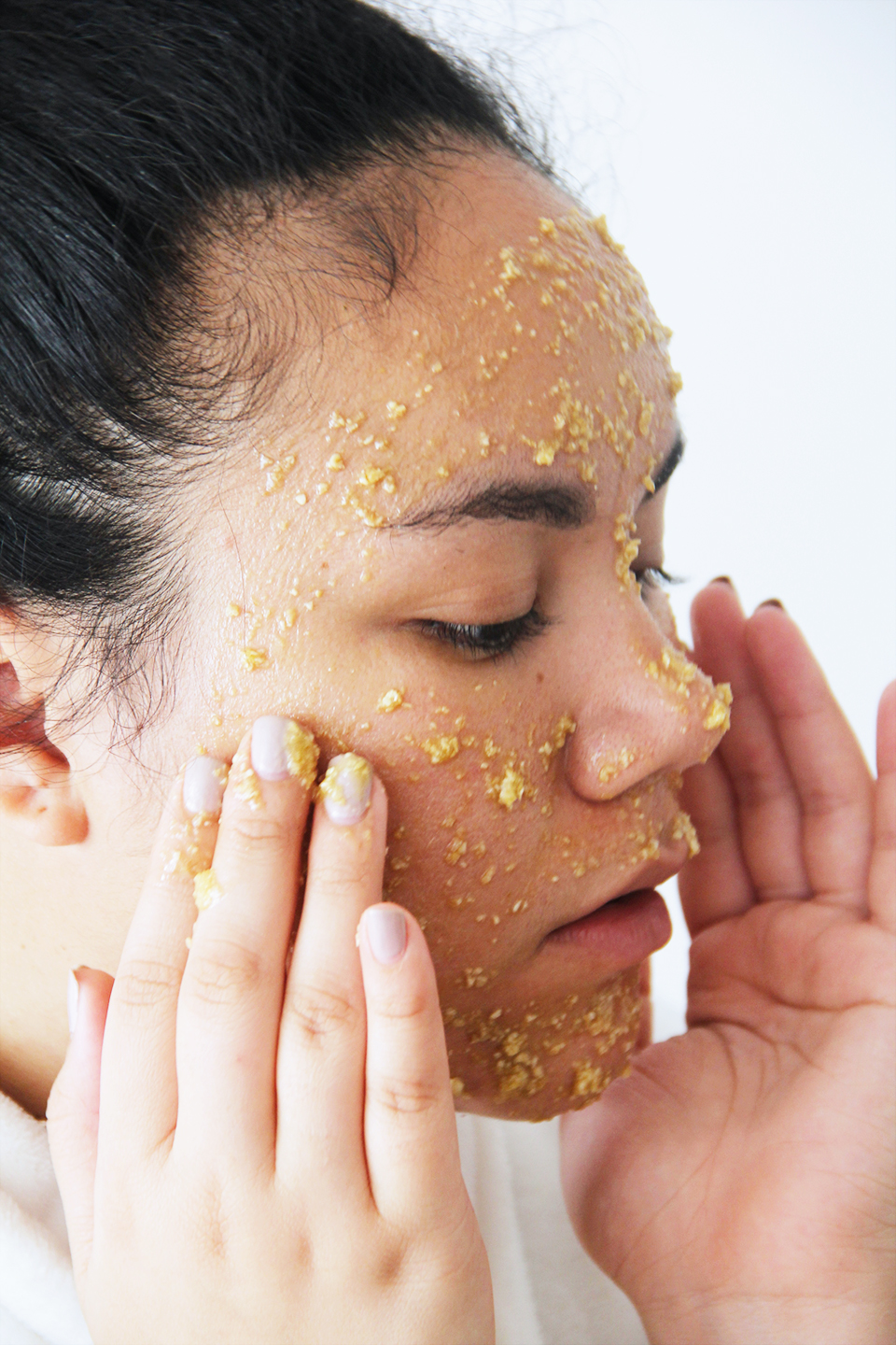 face-scrub-home-made-honey-oatmeal-olive-oil-beauty-skincare-blogger-DIY