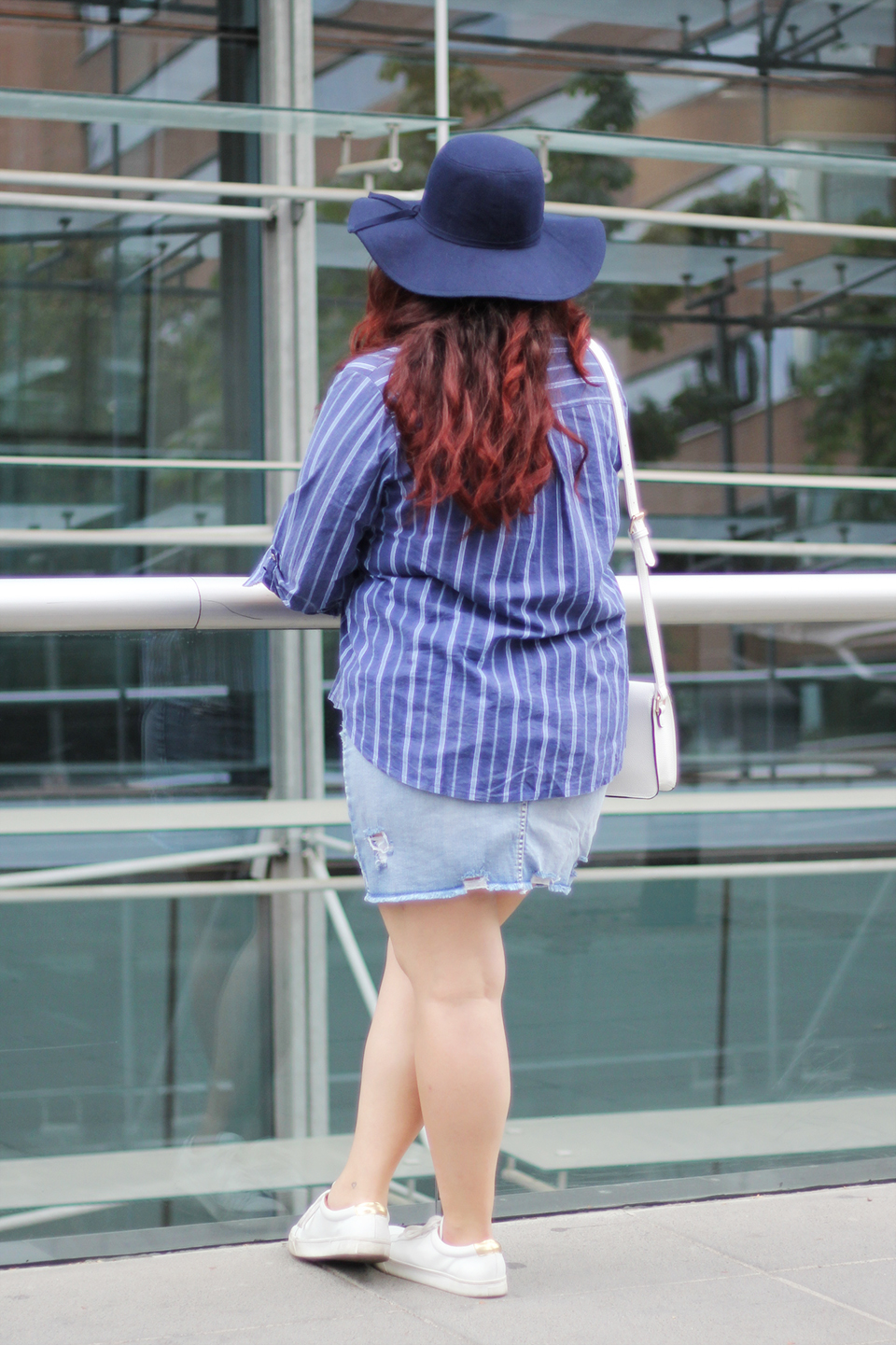 fashion-blogger-denim-skirt-forever21-yoins-blue-hat-lookchic-quay sunglasses-mexican-ripped-stripes-shirt-prune-santiago