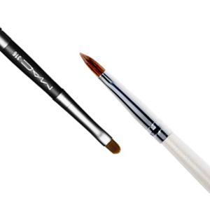 makeup-brushes-101-brochas-de-maquillaje-how-to-use-makeup-brushes-basic-makeup-brush-como-usar-brichas-para-maquillaje-ak-makeup-lip-brush