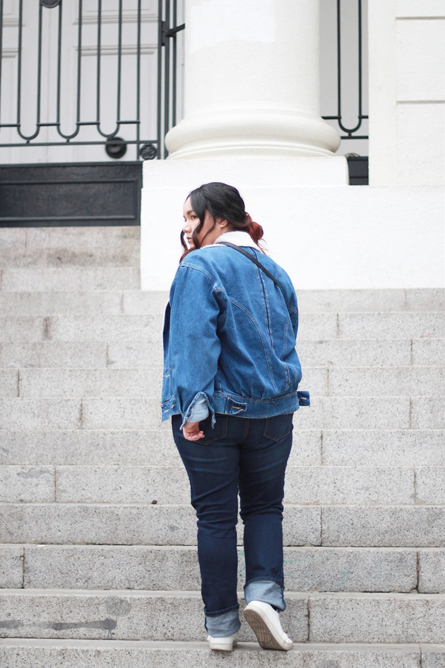 Total denim outfit - Vintage denim jacket - Denim overdose - Plus size look | Golden Strokes