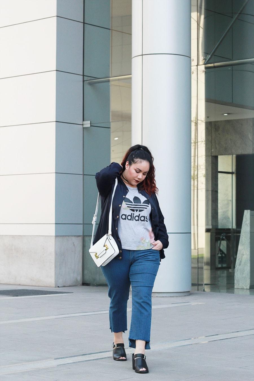 Blogger Méxicana - Bomber jacket for spring | Golden Strokes