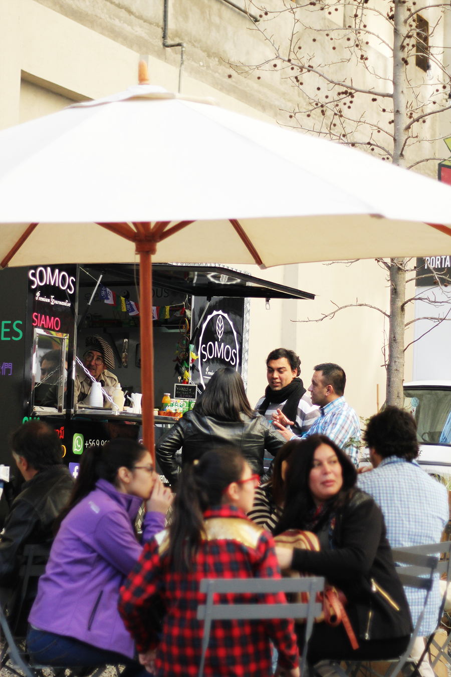 Food trucks en Santiago - Plaza de Bolsillo, Morande 83 | Golden Strokes