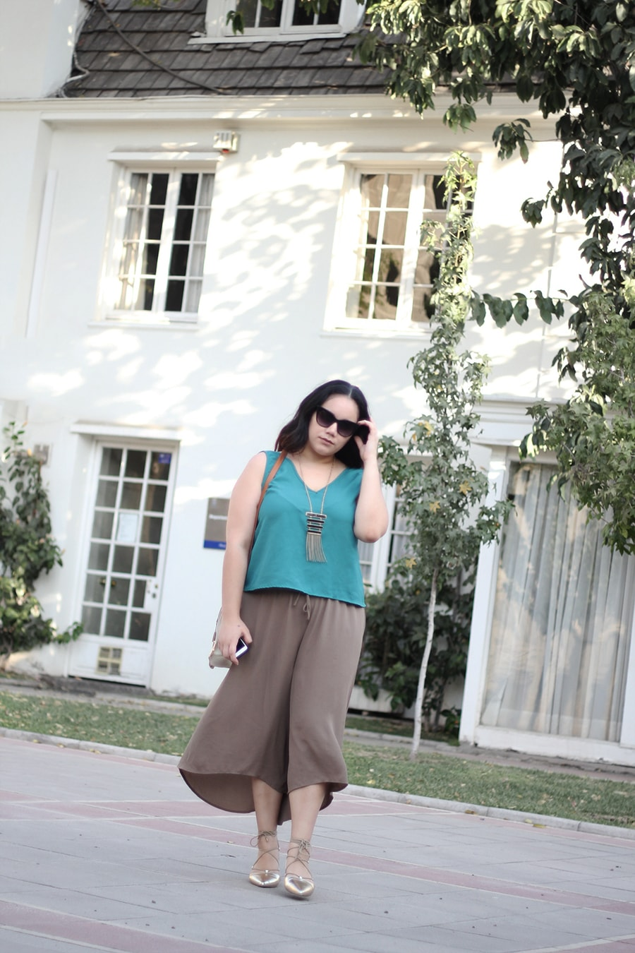 Nude culottes greenery outfit ideas | golden strokes