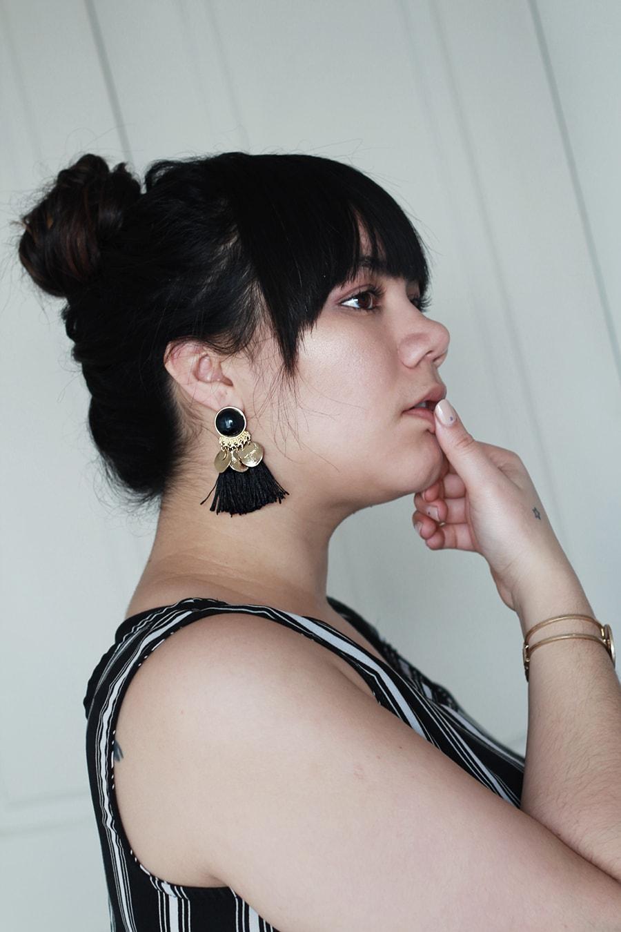Minimal earrings - accessories geometric details - golden strokes