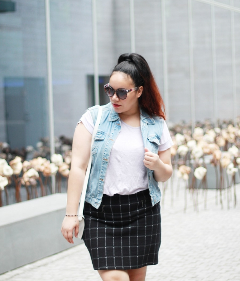 Checkered skirt black and white and a denim vest