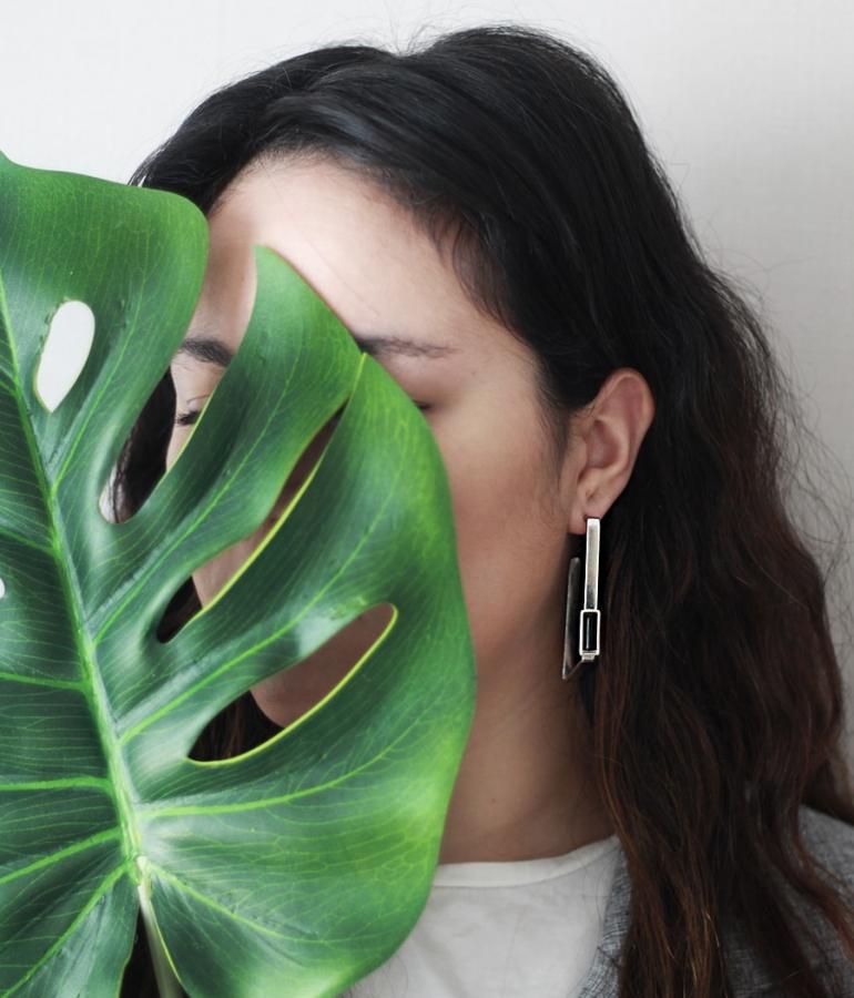 The minimal maxi earrings story